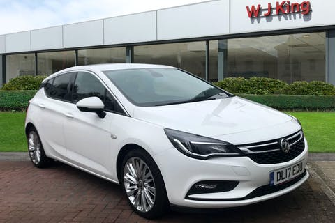White Vauxhall Astra 1.4 Elite Nav 2017