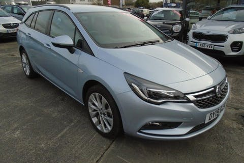 Silver Vauxhall Astra 1.4 Design 2019