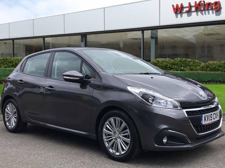 Peugeot 208 1.2 S/S Signature 2019
