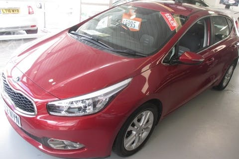 Red Kia Ceed 1.6 2 Ecodynamics CRDi 2012