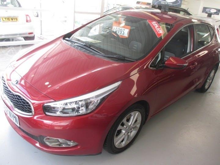 Red Kia Ceed 1.6 2 Ecodynamics CRDi 2012