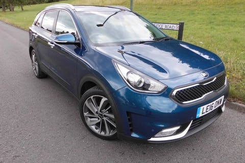 Blue Kia Niro 1.6 First Edition 2016