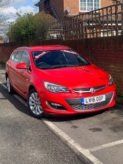 Red Vauxhall Astra 1.6 Elite 2016