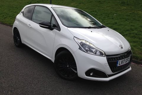 White Peugeot 208 1.2 Puretech Black Edition 2017