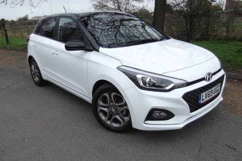 White Hyundai i20 1.2 Mpi Play 2020