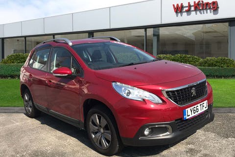 Red Peugeot 2008 1.2 Puretech Active 2017