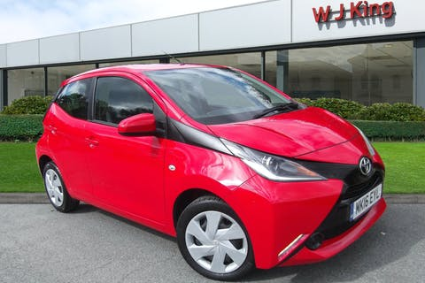 Red Toyota Aygo 1.0 VVT-i X-play X-shift 2016