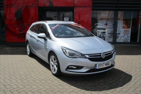Silver Vauxhall Astra 1.4 SRi S/S 2017