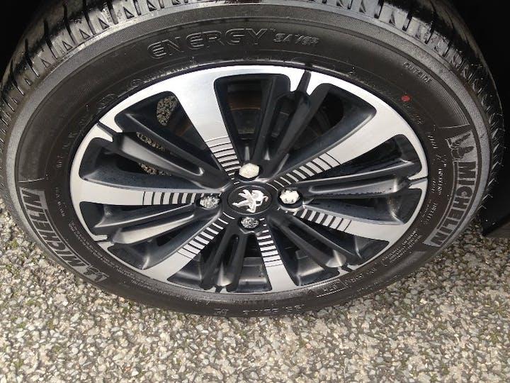 Black Peugeot 208 1.2 Puretech Allure Premium 2018