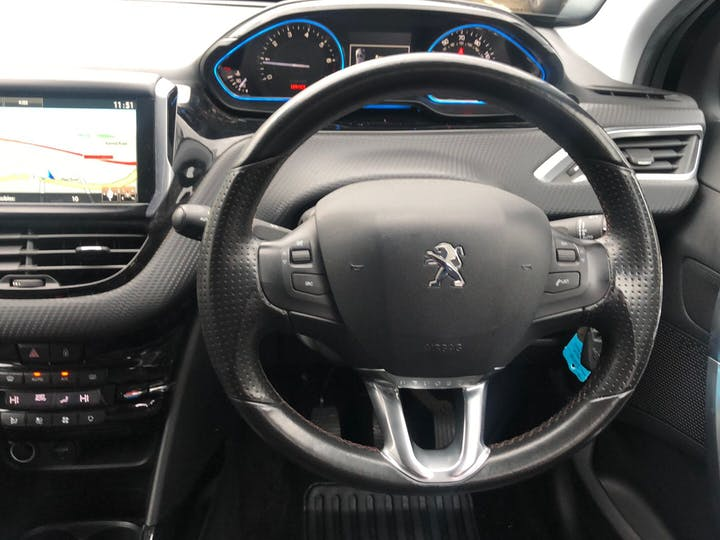 Peugeot 2008 1.2 Puretech Crossway 2015
