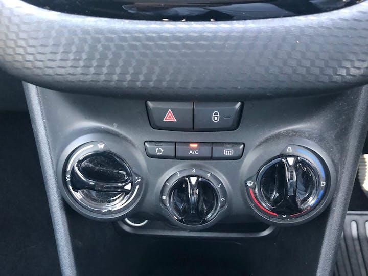 Peugeot 208 1.2 Active 2015
