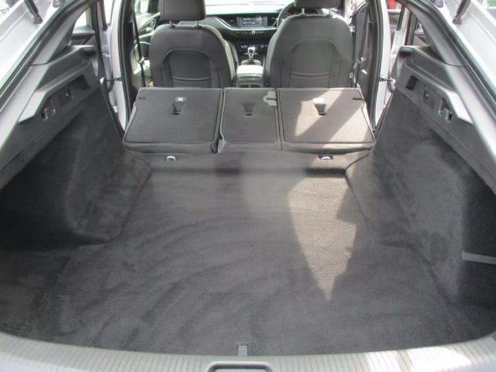 Silver Vauxhall Insignia 1.5 Grand Sport SRi Vx-line Nav 2019