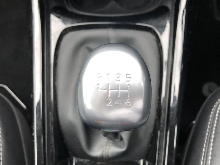 Peugeot 2008 1.2 Puretech S/S Allure 2016