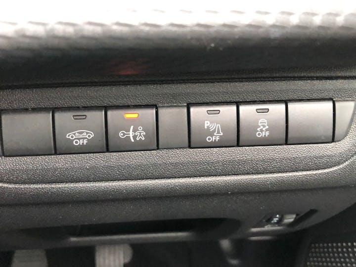 Peugeot 2008 1.2 Puretech Allure 2017