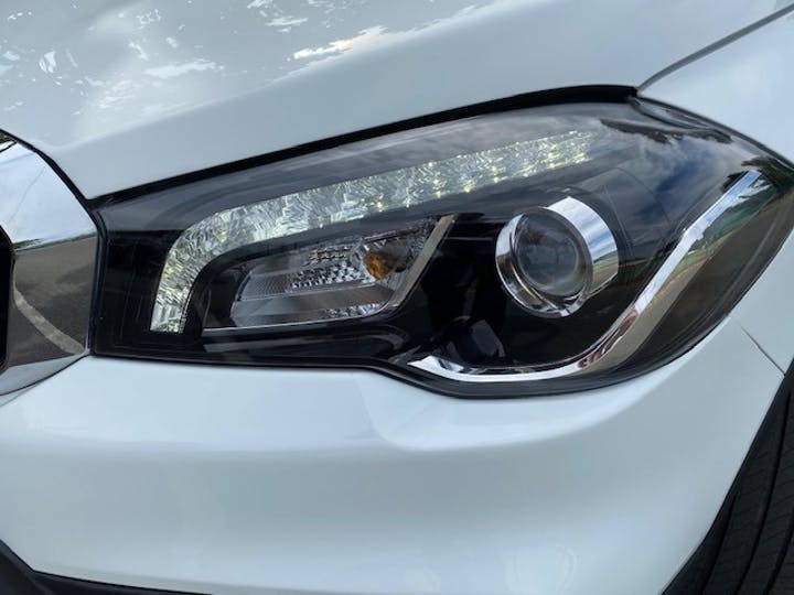 White Suzuki SX4 S-cross 1.0 Sz-t Boosterjet 2018