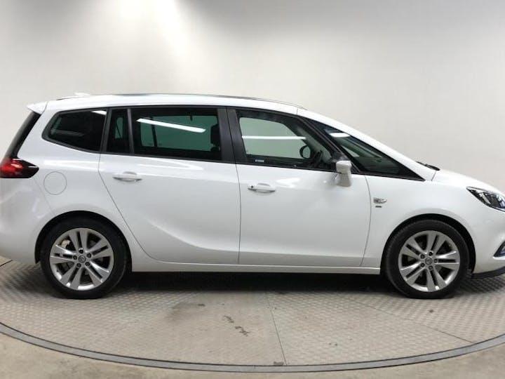 White Vauxhall Zafira Tourer 1.4 SRi Nav 2017