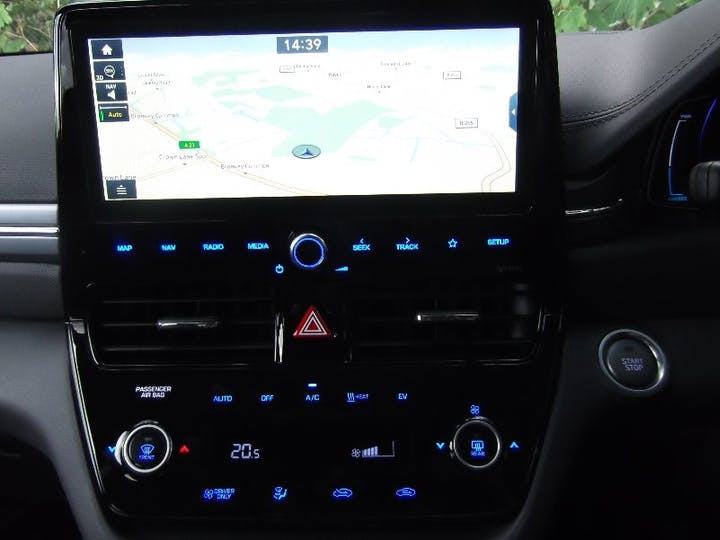 Silver Hyundai Ioniq 0.0 Premium SE 2020