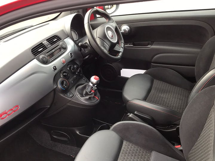 Red FIAT 500 1.2 S 2014