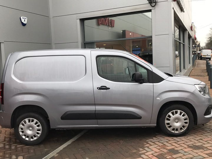 Vauxhall Combo 1.6 L1h1 2300 Sportive S/S 2019