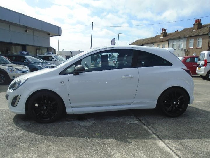 White Vauxhall Corsa 1.2 Limited Edition 2014