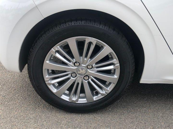 Peugeot 208 1.2 Puretech S/S Signature 2019