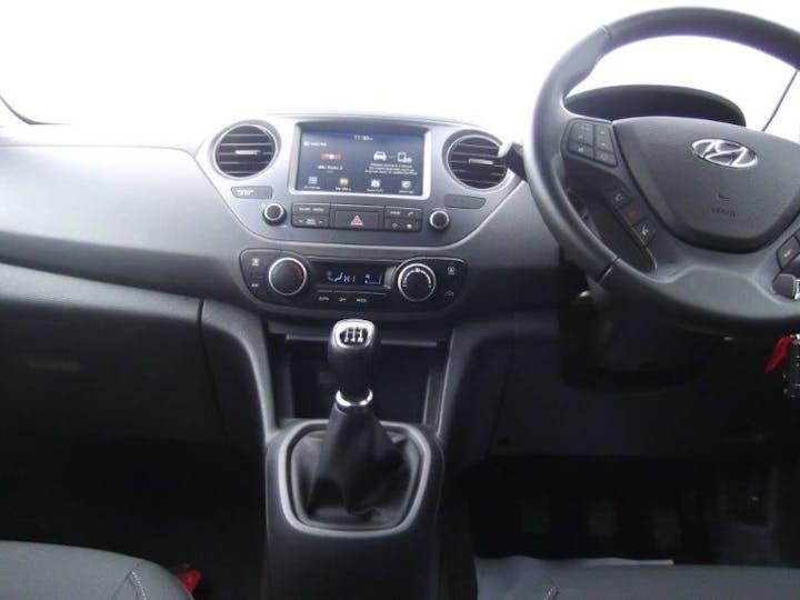 Black Hyundai i10 1.2 Premium 2019